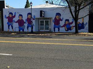 mazzy dancing mural