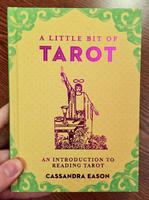 A Little Bit of Tarot: An Introduction to Reading Tarot (A Little Bit of Series)